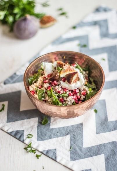 Buchweizensalat mit Granatapfelkernen & Feigen