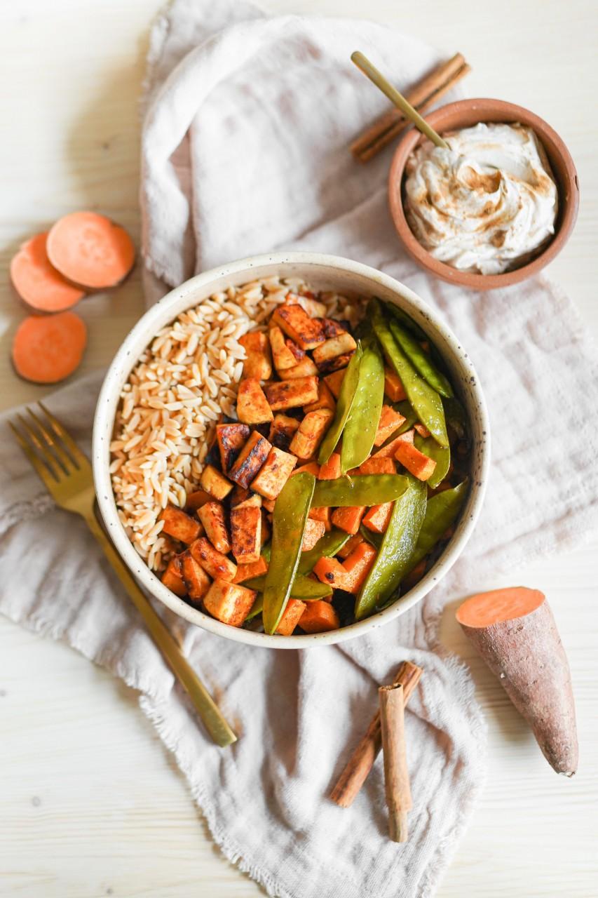 Buddah Bowl mit Kichererbsen Reis