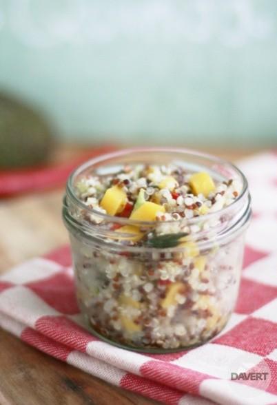 Fruchtig-scharfer Quinoa-Salat mit Mango & Avocado